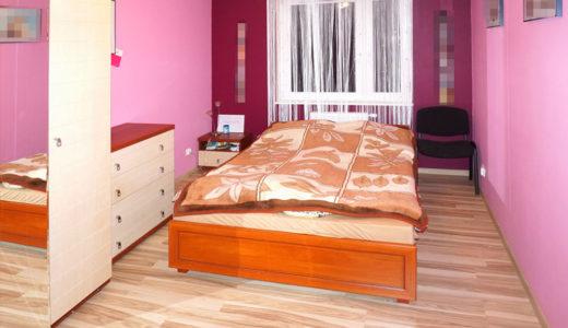 komfortowa sypialnia w mieszkaniu do sprzedaży Wrocław Psie Pole