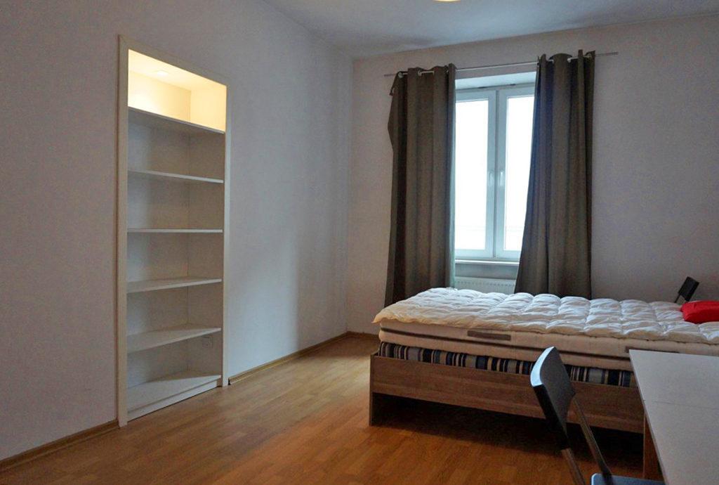 elegancka, prywatna sypialnia w mieszkaniu do sprzedaży Wrocław Stare Miasto