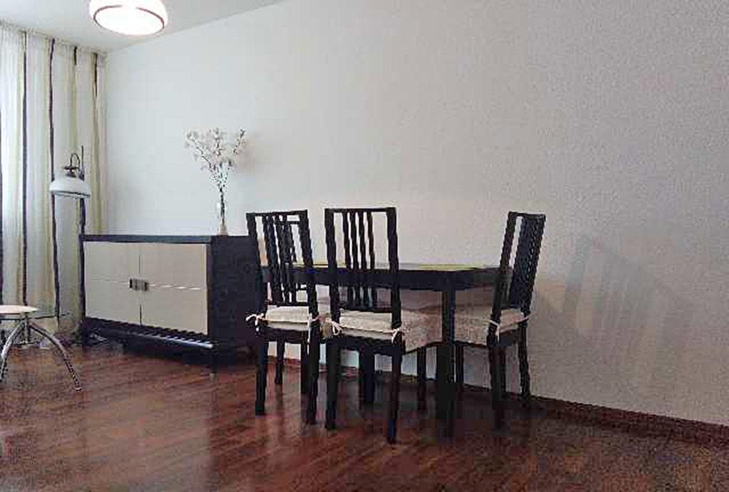 gustowny salon w mieszkaniu do sprzedaży Wrocław Stare Miasto