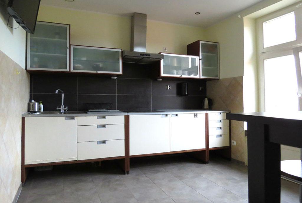 komfortowo i nowocześnie urządzona kuchnia w mieszkaniu do sprzedaży Wrocław Stare Miasto