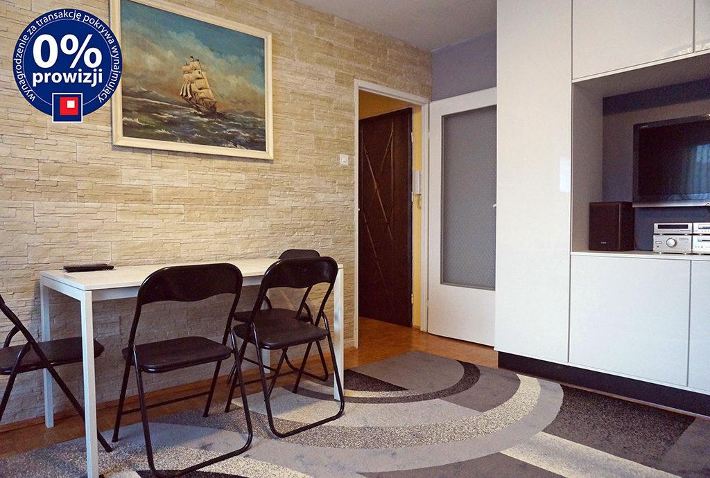 widok z salonu na przedpokój w mieszkaniu na wynajem Wrocław