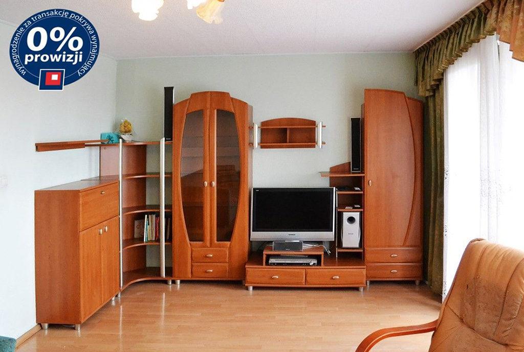 widok na umeblowany duży pokój w mieszkaniu do wynajmu Wrocław Psie Pole