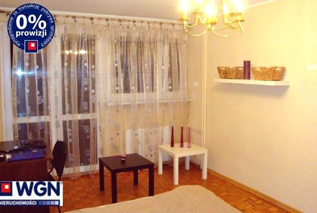 fragment salonu w mieszkaniu Wrocław Stare Miasto na sprzedaż