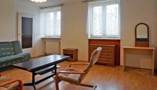 kameralny salon w mieszkaniu do sprzedaży Wrocław