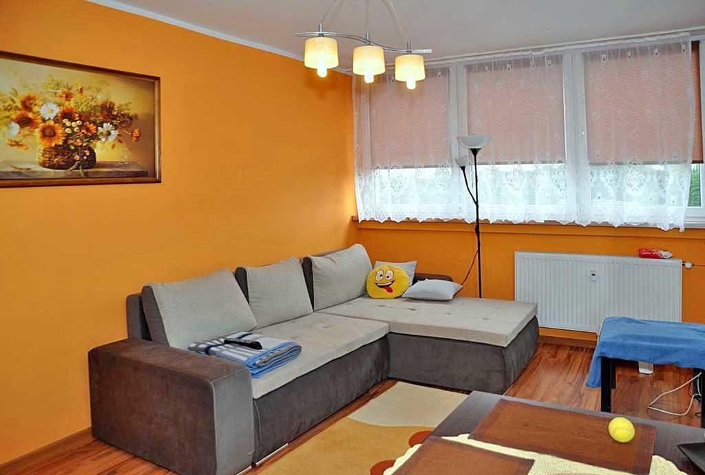 jedno z komfortowych pomieszczeń w mieszkaniu na wynajem Wrocław okolice