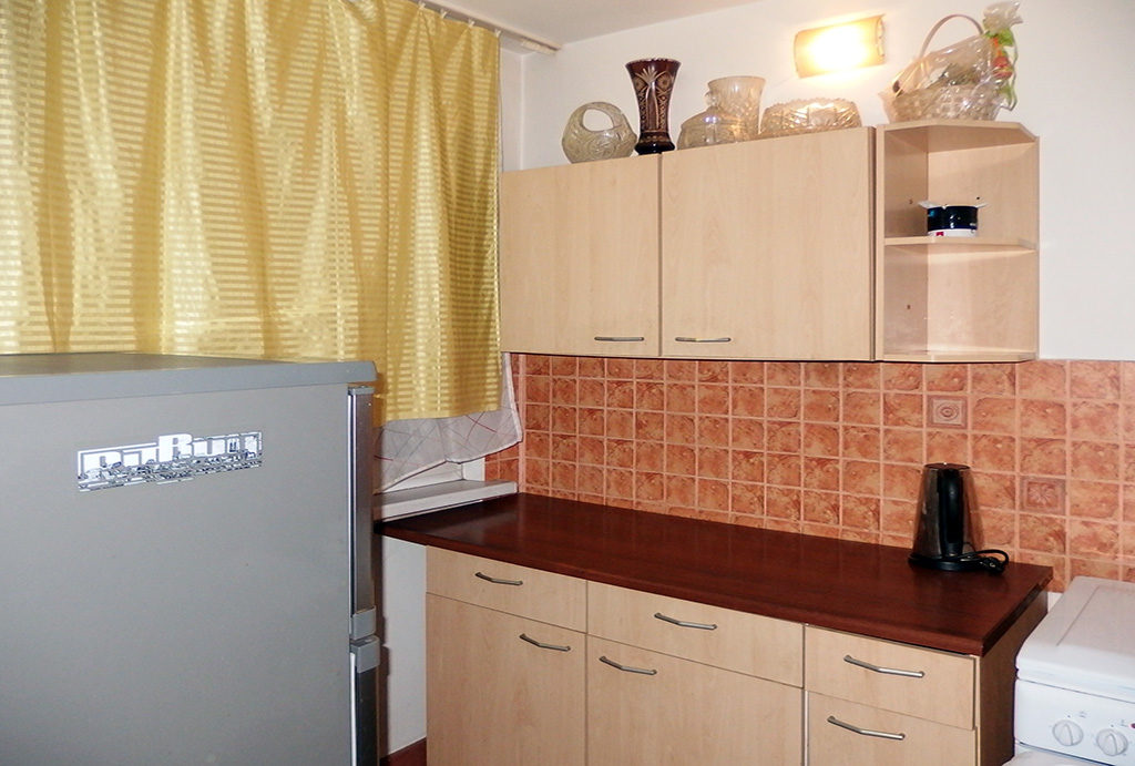 widok na fragment kuchni w mieszkaniu na sprzedaż Wrocław Fabryczna
