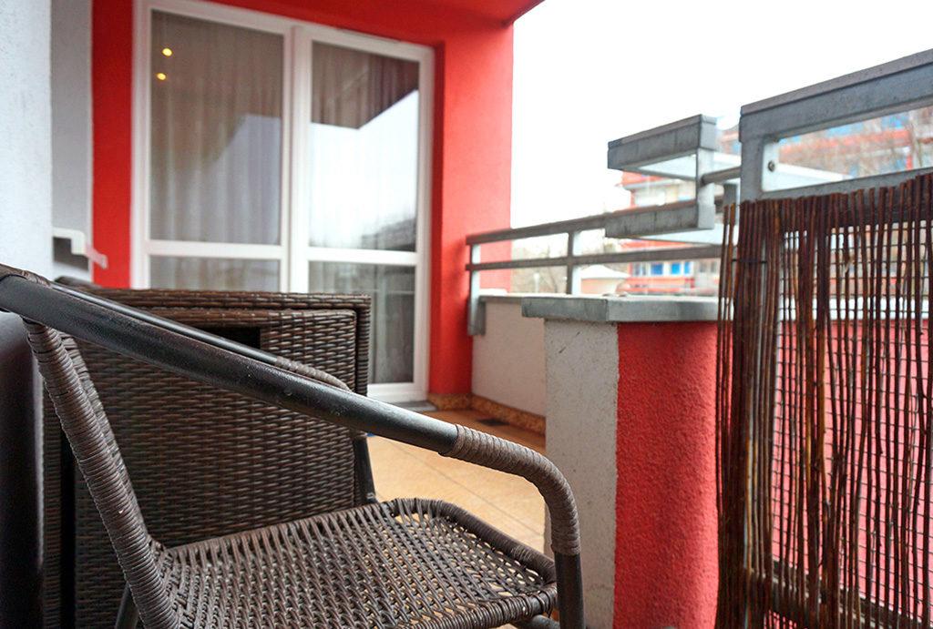 zdjęcie prezentuje widokowy balkon przy mieszkaniu do sprzedaży Wrocław Fabryczna