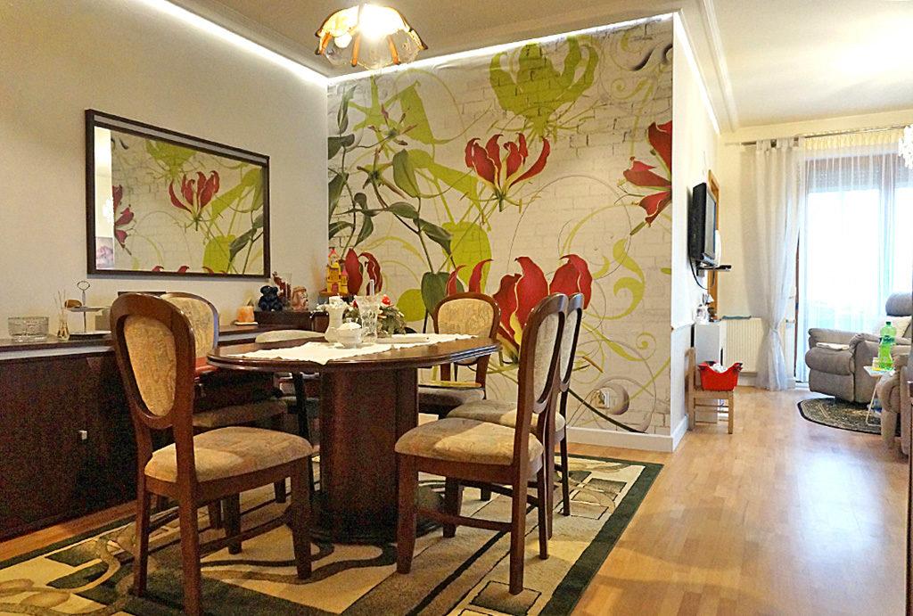 zdjęcie prezentuje jadalnię w mieszkaniu do sprzedaży Wrocław Fabryczna