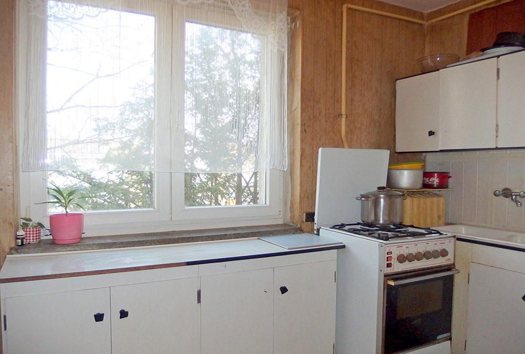 na zdjęciu komfortowa kuchnia w mieszkaniu do sprzedaży Wrocław Krzyki