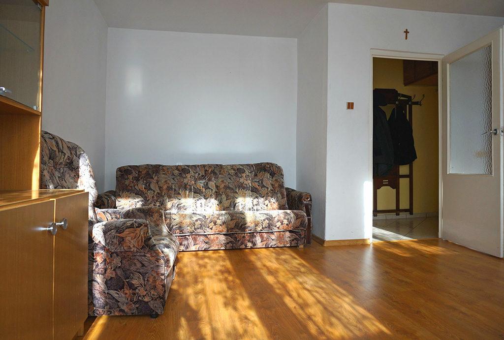 na zdjęciu komfortowy salon w mieszkaniu do wynajmu Wrocław Krzyki