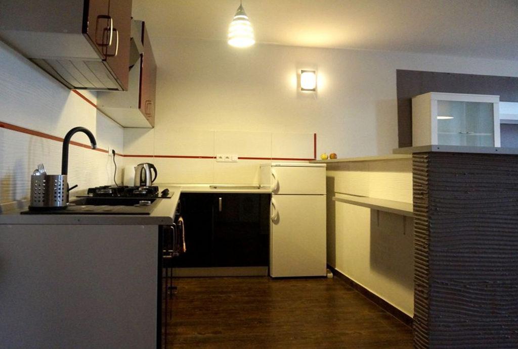 komfortowe wnętrze aneksu kuchennego w mieszkaniu do sprzedaży Wrocław Śródmieście
