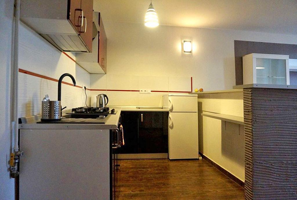 zabudowana, funkcjonalna kuchnia w mieszkaniu do sprzedaży Wrocław Śródmieście
