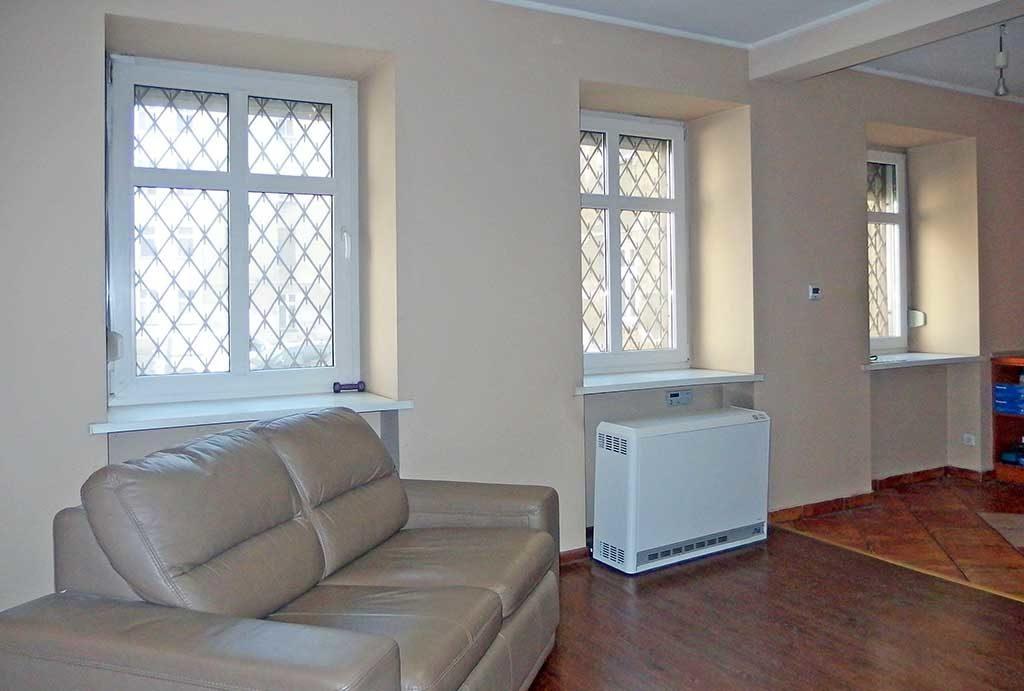 fragment salonu w mieszkaniu do sprzedaży Wrocław, Śródmieście