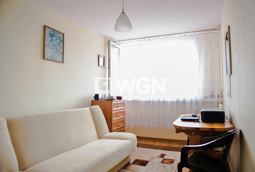 urządzony niezwykle stylowo salon w mieszkaniu do sprzedaży Wrocław Krzyki
