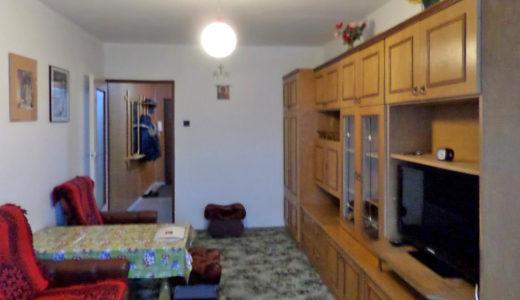 urządzony w stylu klasycznym salon w mieszkaniu na sprzedaż Wrocław Fabryczna