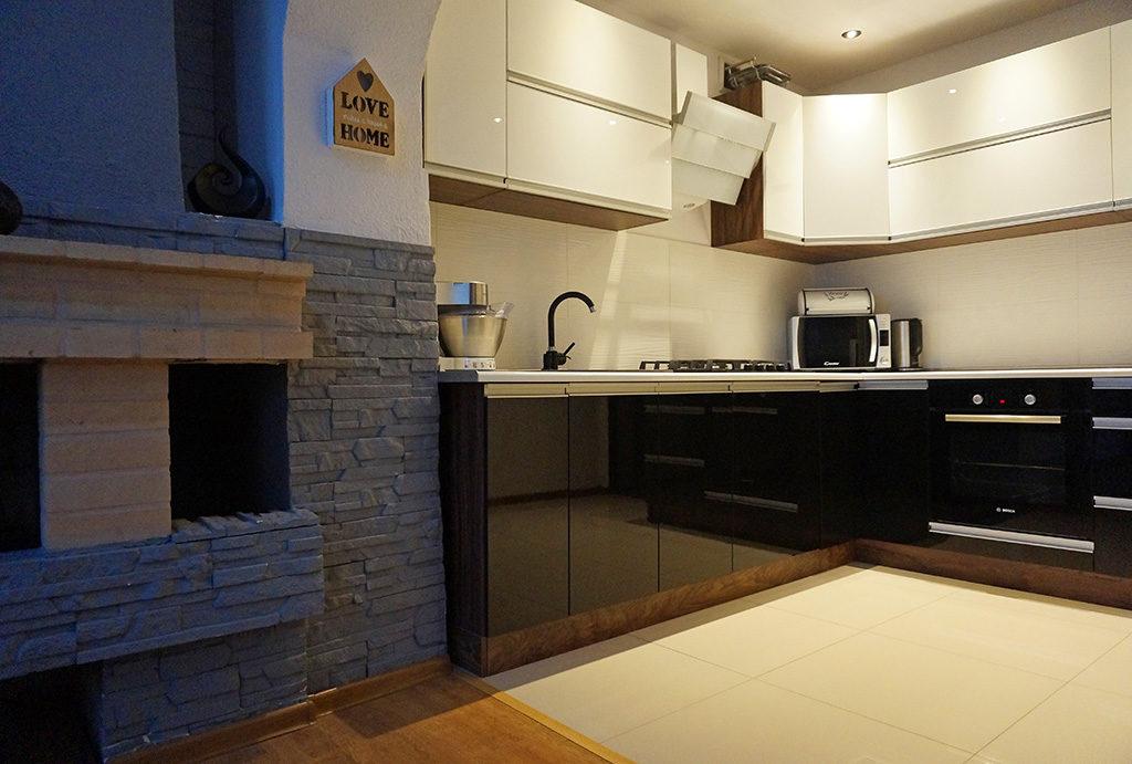 zabudowana nowocześnie kuchnia w mieszkaniu na wynajem Wrocław Leśnica
