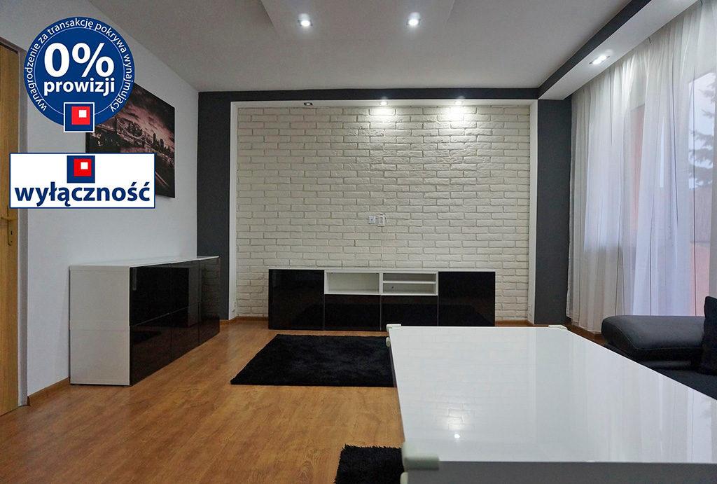 widok z innej perspektywy na salon w mieszkaniu do wynajmu Wrocław Leśnica