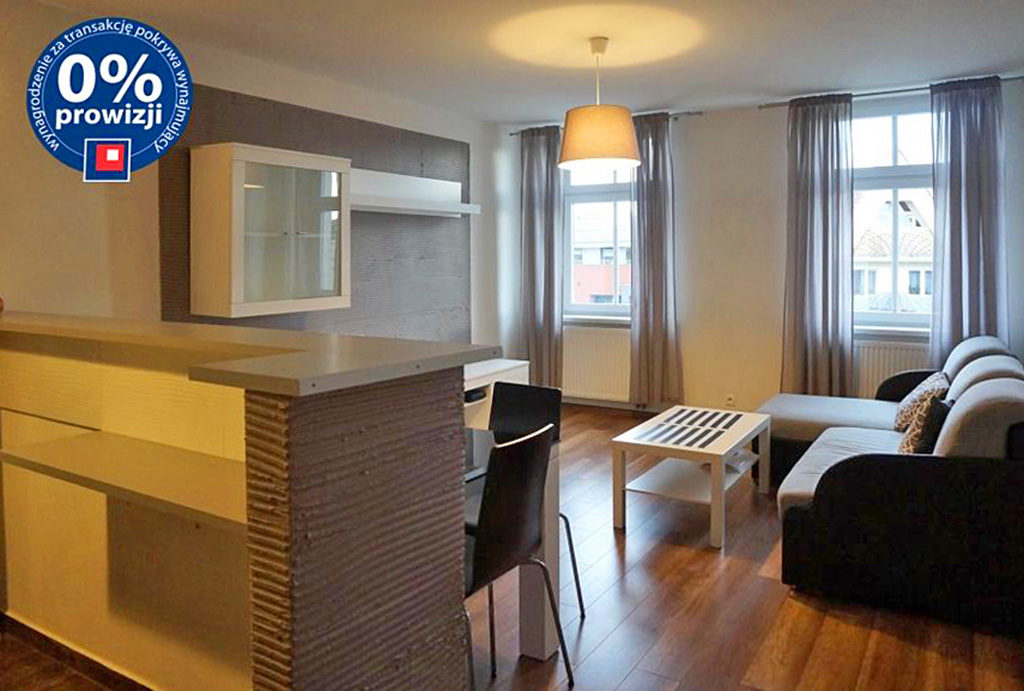 na zdjęciu komfortowy aneks kuchenny w mieszkaniu na wynajem Wrocław Śródmieście