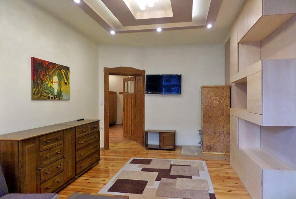 zdjęcie prezentuje komfortowy pokój w mieszkaniu na wynajem Wrocław Śródmieście