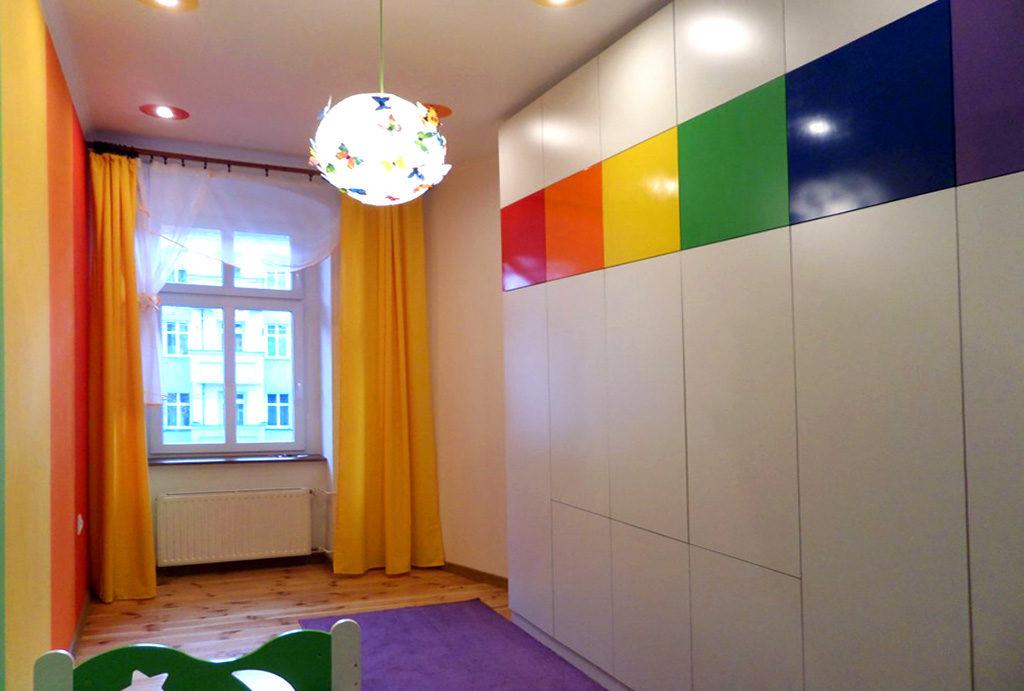 zaciszna i prywatna sypialnia w mieszkaniu do wynajęcia Wrocław Śródmieście