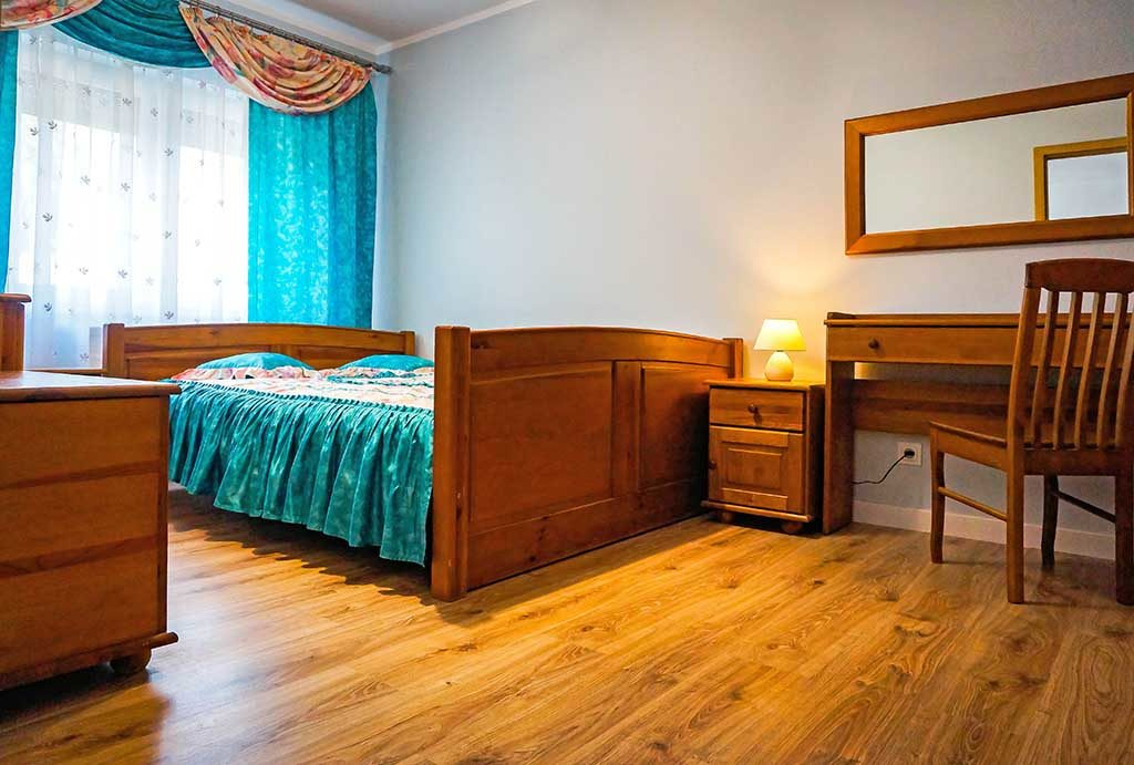 prywatna, elegancka sypialnia w mieszkaniu na sprzedaż Wrocław Fabryczna