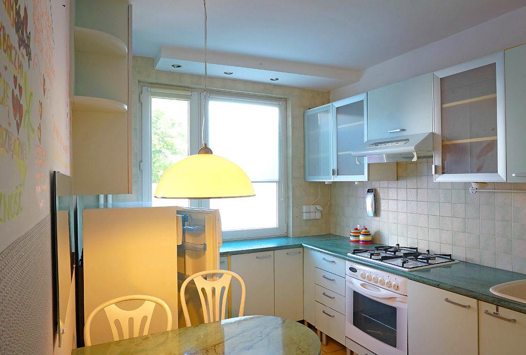 funkcjonalnie urządzona kuchnia w mieszkaniu do sprzedaży Wrocław Fabryczna