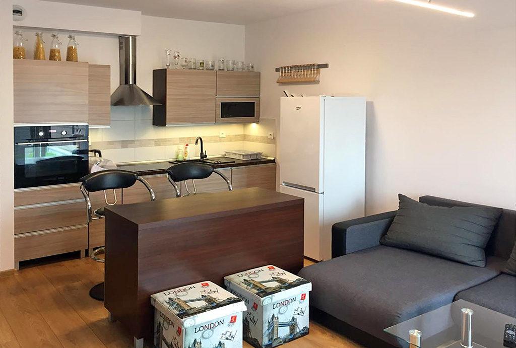 na zdjęciu zadbane, eleganckie wnętrze mieszkania do wynajmu Wrocław Fabryczna