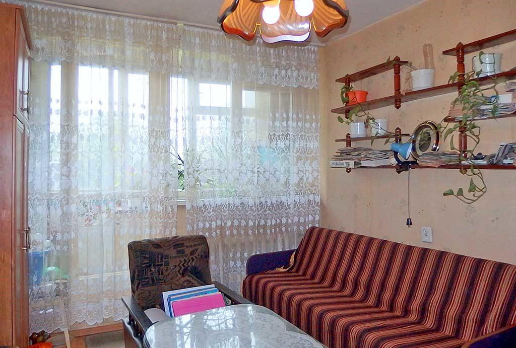 urządzony w klasycznym stylu salon w mieszkaniu na sprzedaż  Wrocław Krzyki