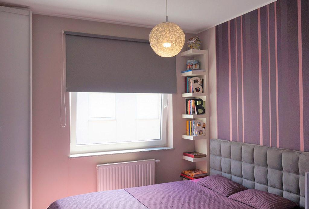 zaciszna sypialnia w odważnych kolorach w mieszkaniu do sprzedaży Wrocław Krzyki