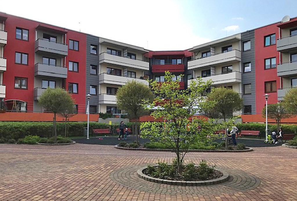 zdjęcie prezentuje osiedle, na którym znajduje się oferowane na sprzedaż mieszkanie Wrocław Krzyki