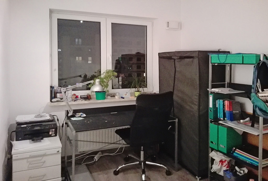 widok na gabinet do pracy w mieszkaniu do wynajęcia Wrocław Krzyki