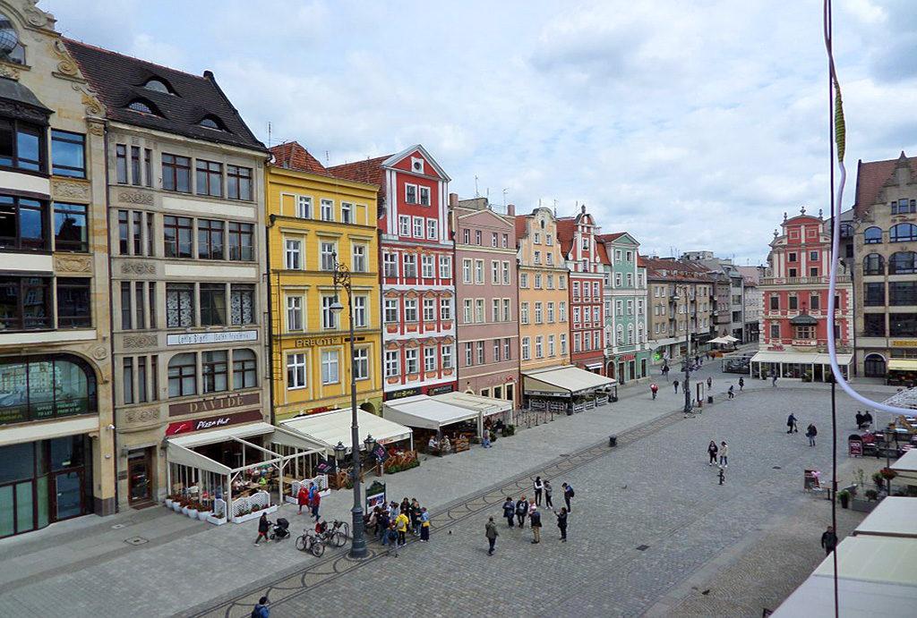 prestiżowa lokalizacja i imponujący widok z okna na Rynek w mieszkaniu na wynajem Wrocław Stare Miasto