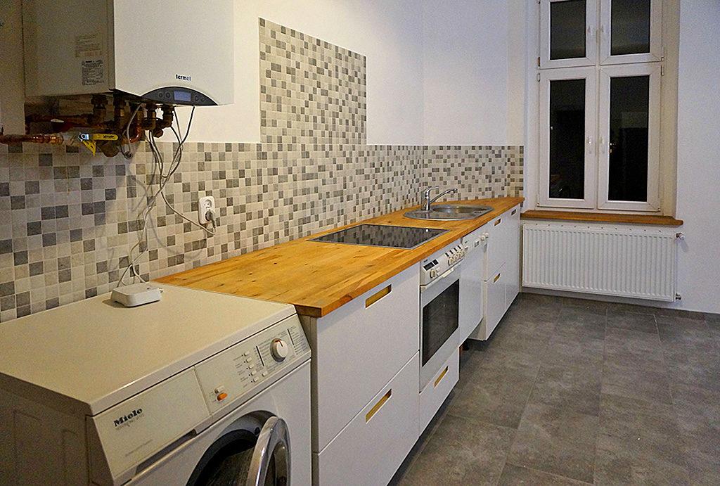 nowoczesny aneks kuchenny w mieszkaniu na wynajem Wrocław Stare Miasto