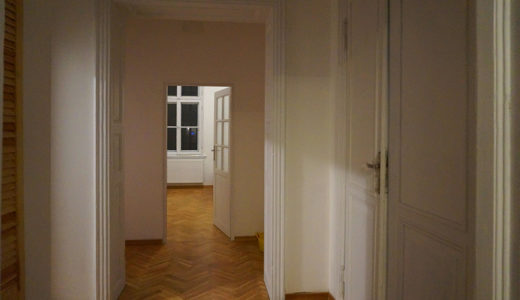 okazały przedpokój w mieszkaniu do wynajęcia Wrocław Stare Miasto