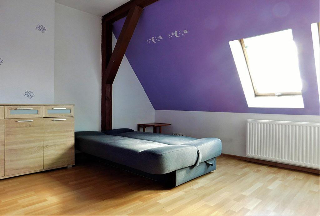 prywatna, elegancka sypialnia w mieszkaniu na sprzedaż Wrocław (okolice)