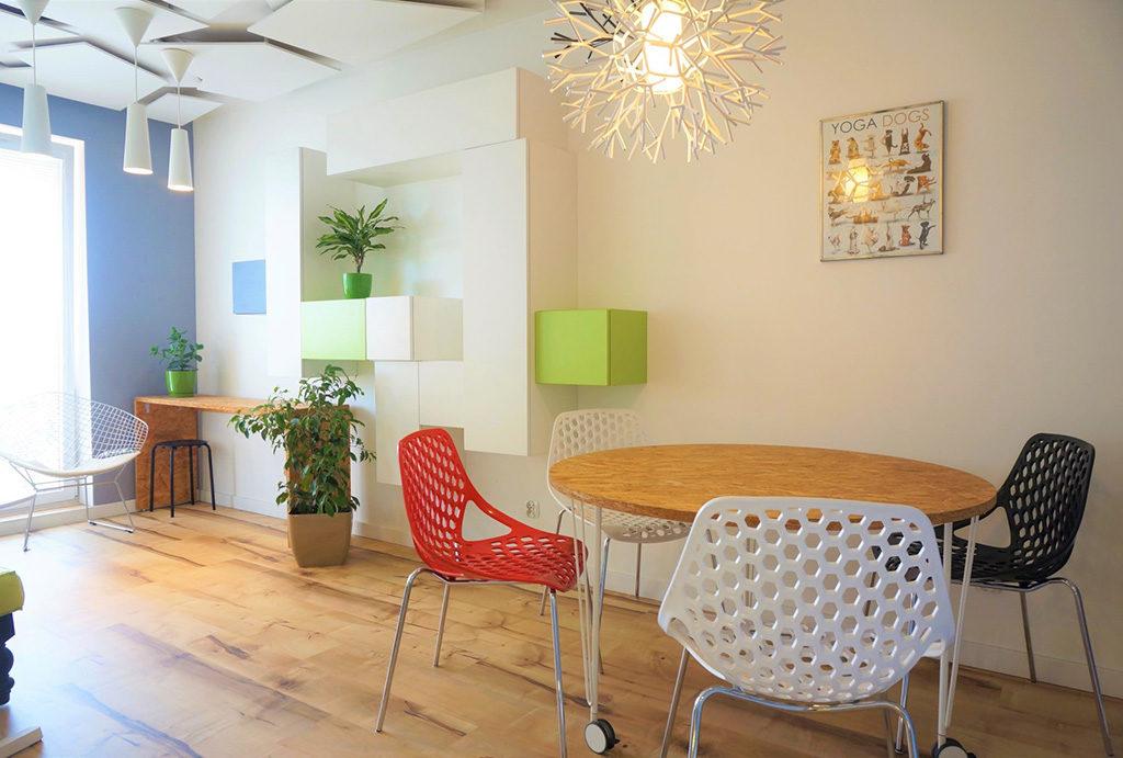 nowoczesny design salonu w mieszkaniu do sprzedaży Wrocław Fabryczna