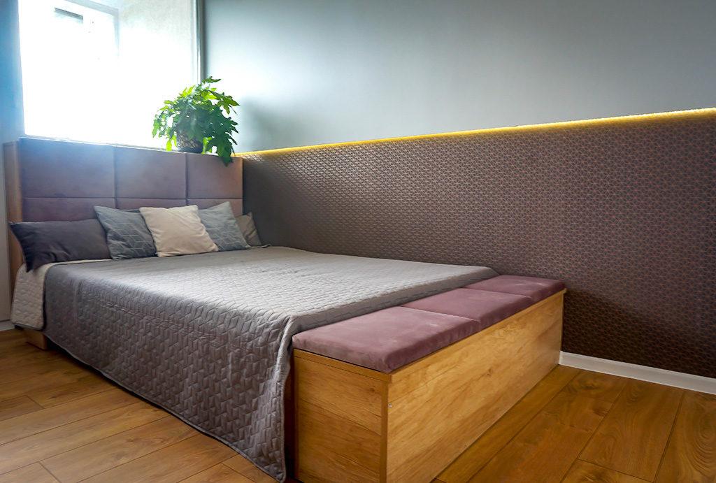 zdjęcie prezentuje zaciszną sypialnię w mieszkaniu do sprzedaży Wrocław Fabryczna
