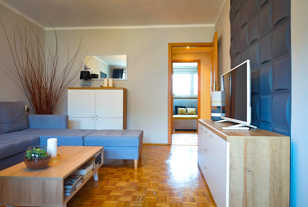 na zdjęciu prestiżowy, nowoczesny salon w mieszkaniu do wynajmu Wrocław Fabryczna