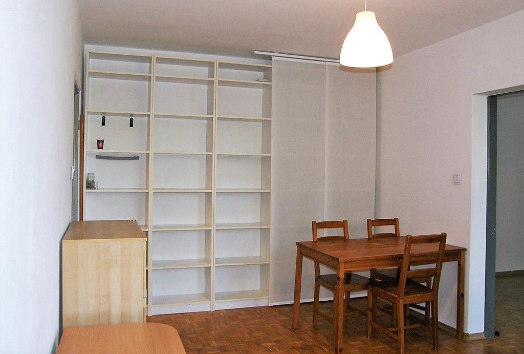 zdjęcie przedstawia jadalnię w mieszkaniu do sprzedaży Wrocław Krzyki