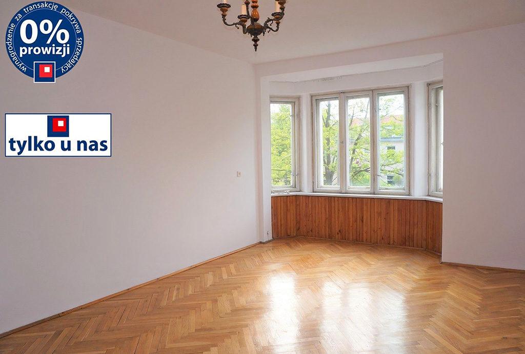widok na salon w mieszkaniu do sprzedaży Wrocław Krzyki