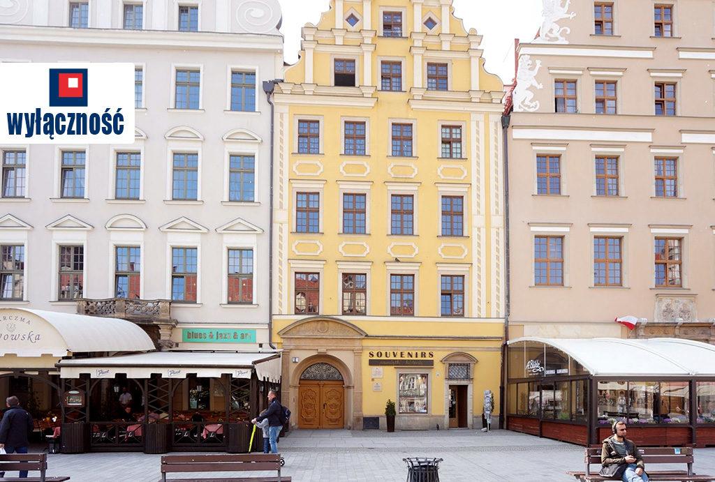 na zdjęciu kamienica, gdzie mieści się oferowane do sprzedaży mieszkanie Wrocław Stare Miasto