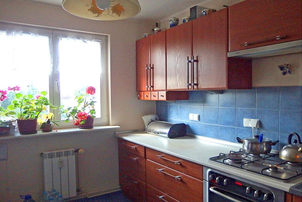 umeblowana kuchnia w mieszkaniu na sprzedaż Wrocław (okolice)