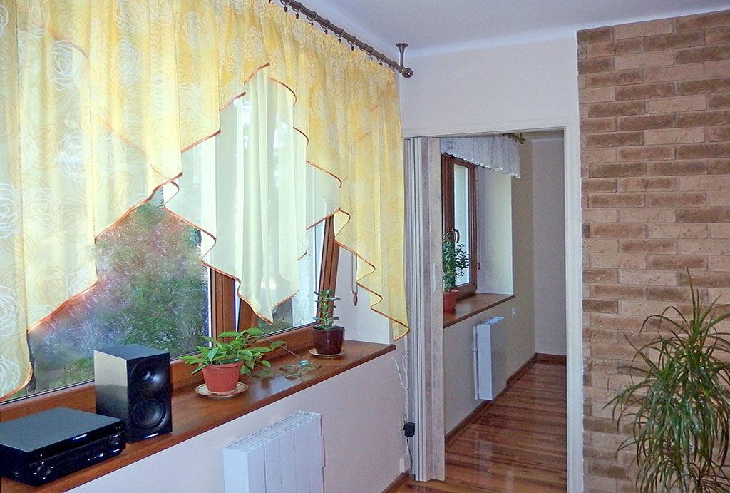 przejście do kuchni w mieszkaniu na sprzedaż Wrocław Fabryczna