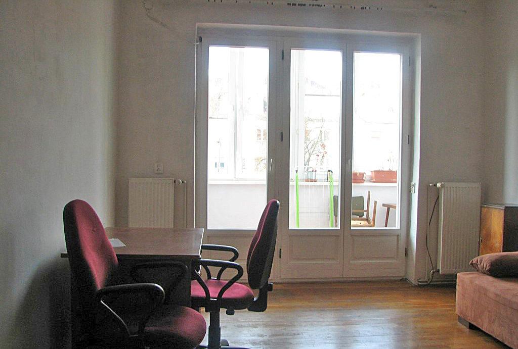 kameralny salon w mieszkaniu na sprzedaż Wrocław Krzyki