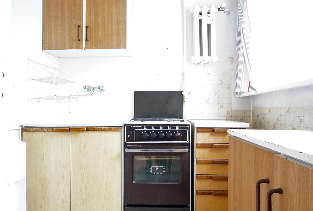 kuchnia w zabudowie w mieszkaniu do sprzedaży Wrocław Stare Miasto