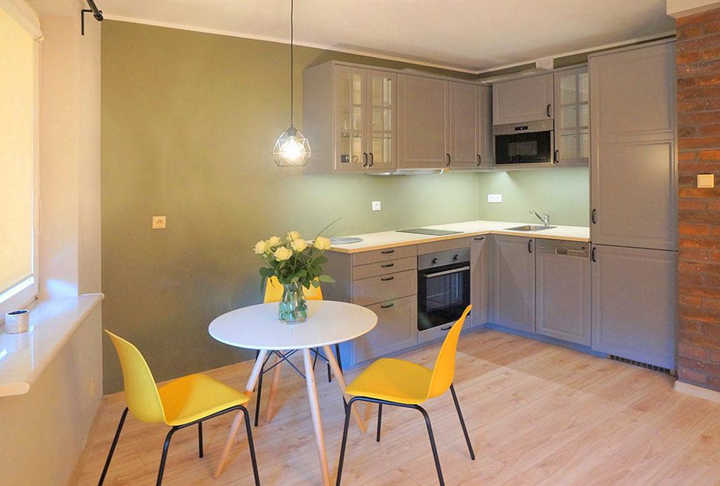 komfortowa kuchnia w mieszkaniu do sprzedaży Wrocław Śródmieście