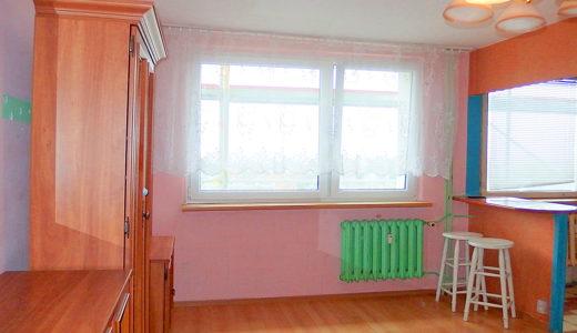 przestronny salon w mieszkaniu na sprzedaż Wrocław Fabryczna