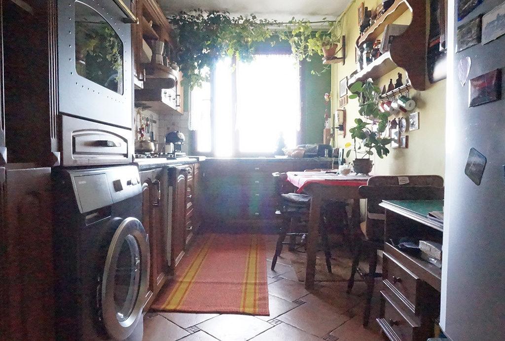 widok na kuchnię w mieszkaniu na sprzedaż Wrocław Fabryczna