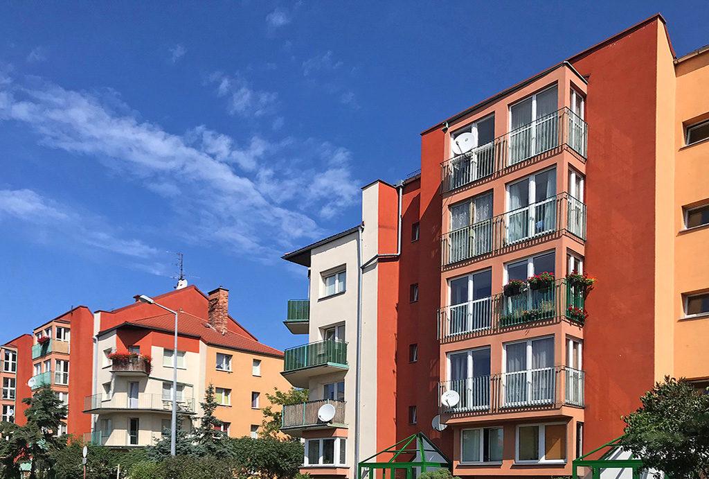 prestiżowa lokalziacja i widok na budynek, w którym znajduje się oferowane na wynajem mieszkanie Wrocław Krzyki