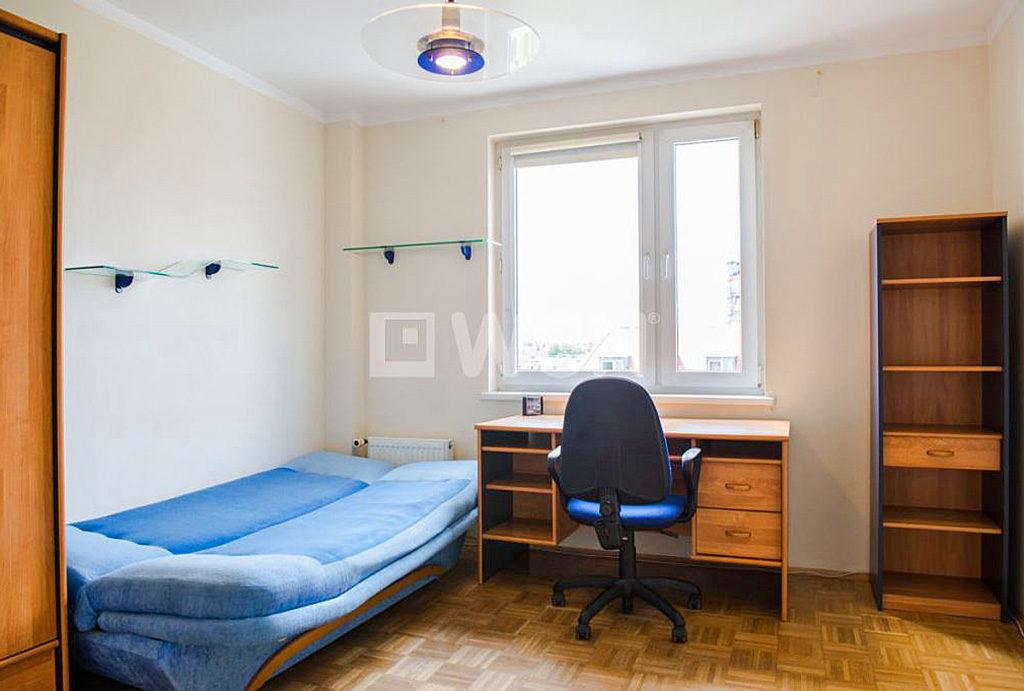widok na sypialnię i gabinet w mieszkaniu do wynajmu Wrocław Krzyki